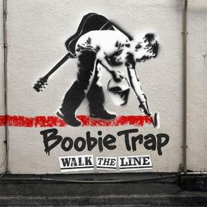 WALK THE LINEの画像